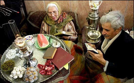 فال حافظ و شاهنامه خوانی در شب یلدا