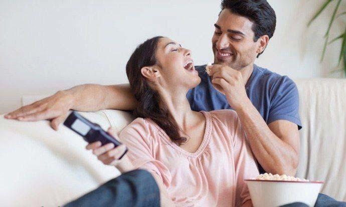 صدا کردن همسر در محیط خانواده