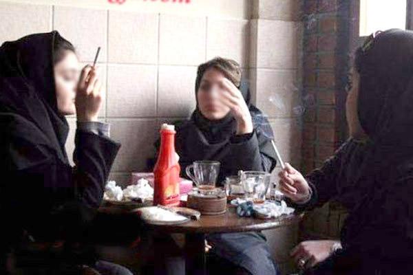 الگوبرداری از دوستان در سیگار کشیدن