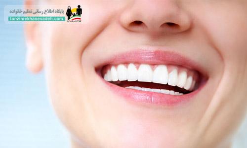 پلاسمای منی( جذب شده از مخاط مهبل) دارای روی، کلسیم و ديگر مواد معدنی می باشد که از پوسیدگی دندانها جلوگیری میکند