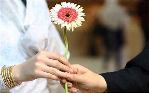 میدانم مناسب یکدیگر نیستیم ولی به او قول ازدواج دادهام!