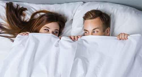 حالت خوابیدن زن و شوهر بعد از رابطه زناشویی
