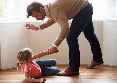 تاثیر خشونت پدر در روابط جنسی دختر