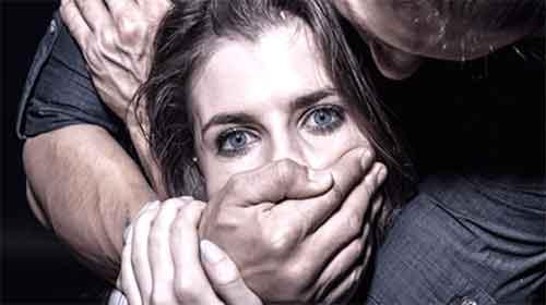 شوهر دوستم بهم تجاوز کرده از شکایت می ترسم